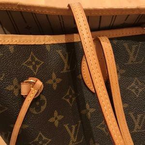 Louis Vuitton Bags - Louis Vuitton Neverfull MM Tote